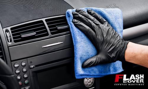 limpeza interna no veículo
