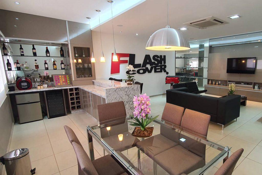 sala dos clientes da flash cover